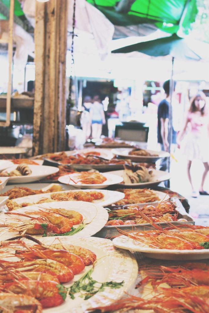 Visiting_Thai_street_market_Bangkok_Chiang_Mai_Koh_tao_find_perfect_souvenir_thailand