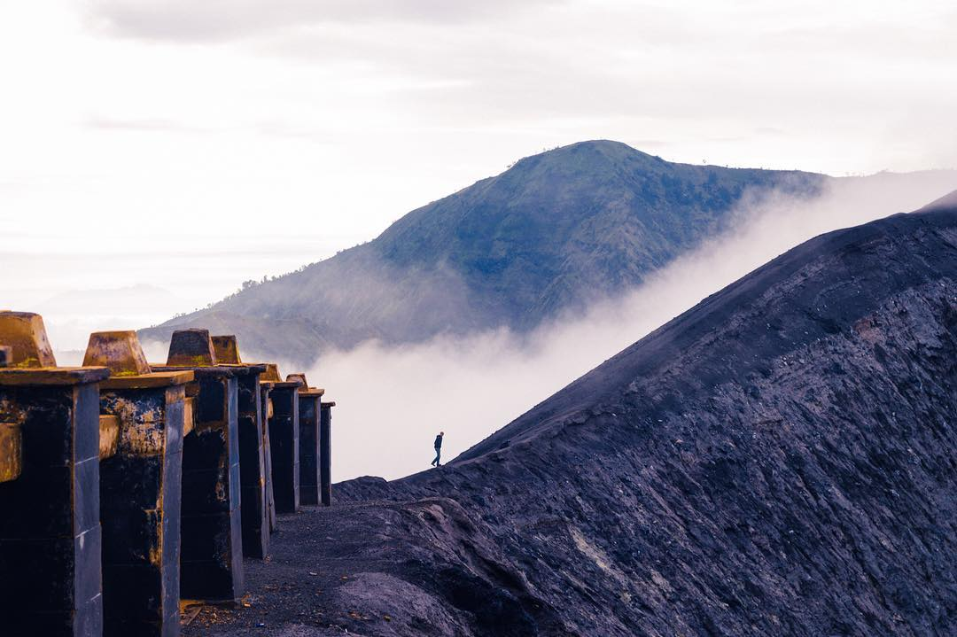 Visit Mount Bromo and Mount Ijen Without An Expensive Tour from Surabaya