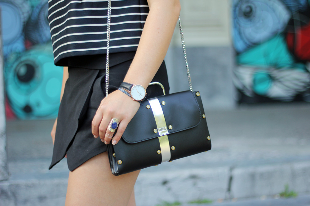 Monochrome_outfit_Crop_top_Antwerp_blogger_barely_there_sandals