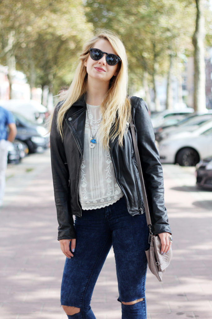 Perfect_leather_jacket_goosecraft_ripped_denim_lace_top_seethrough_outfit_blogger12