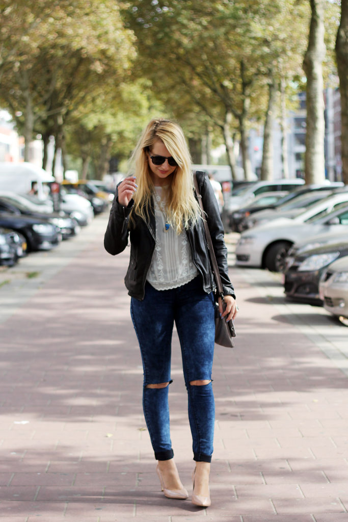 Perfect_leather_jacket_goosecraft_ripped_denim_lace_top_seethrough_outfit_blogger15