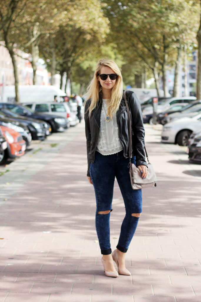 Perfect_leather_jacket_goosecraft_ripped_denim_lace_top_seethrough_outfit_blogger2