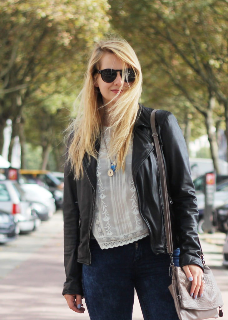 Perfect_leather_jacket_goosecraft_ripped_denim_lace_top_seethrough_outfit_blogger5