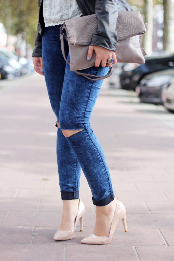 Perfect_leather_jacket_goosecraft_ripped_denim_lace_top_seethrough_outfit_blogger8
