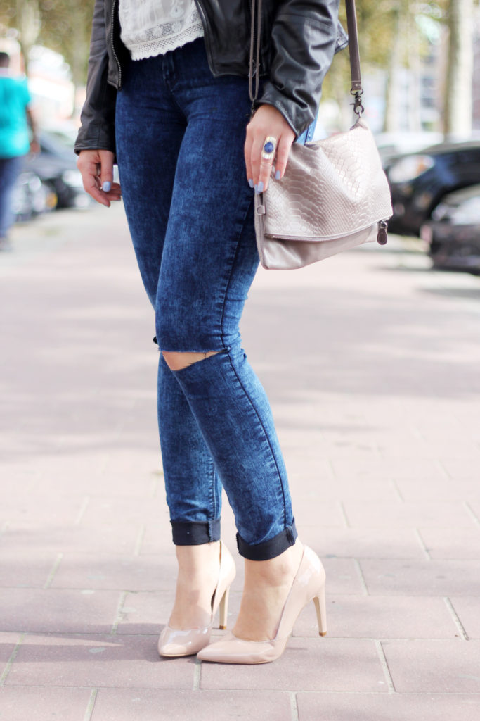Perfect_leather_jacket_goosecraft_ripped_denim_lace_top_seethrough_outfit_blogger9