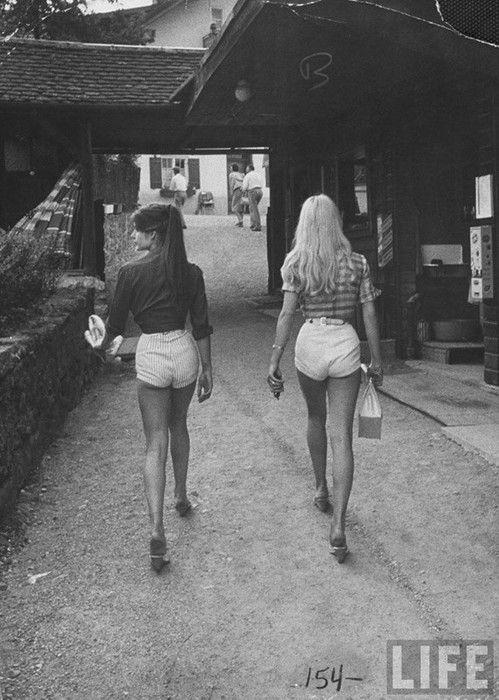travelblog_tailor_HoiAn_vietnam_custommade_high_waisted_70s_ shorts