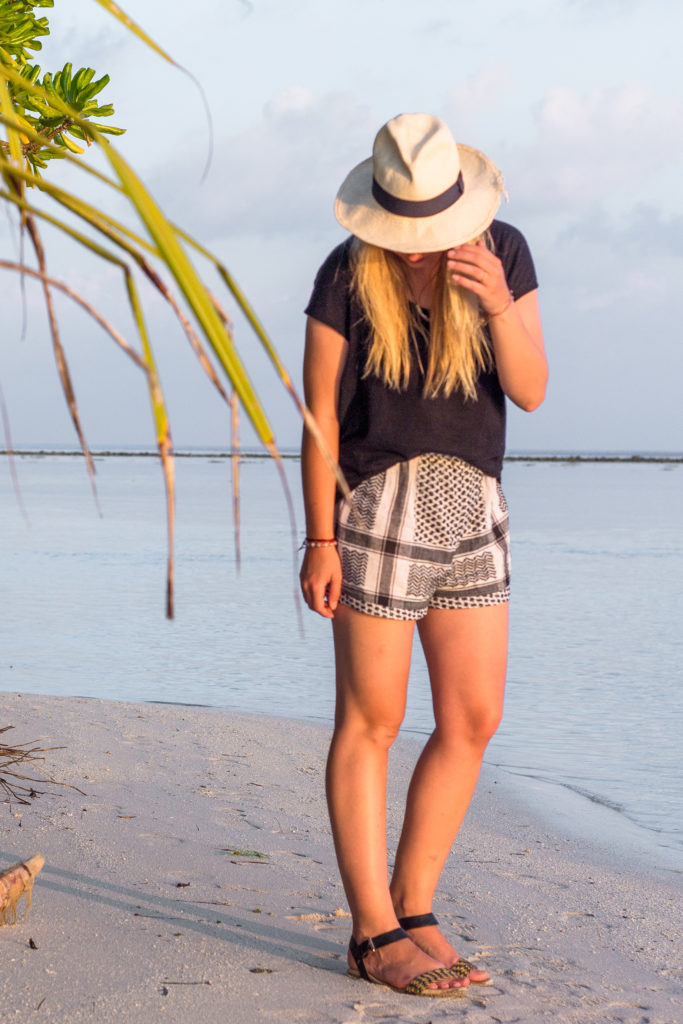 sunset_maldives_travel_outfit_fashion_cecilie_copenhagen_hat (1 of 13)