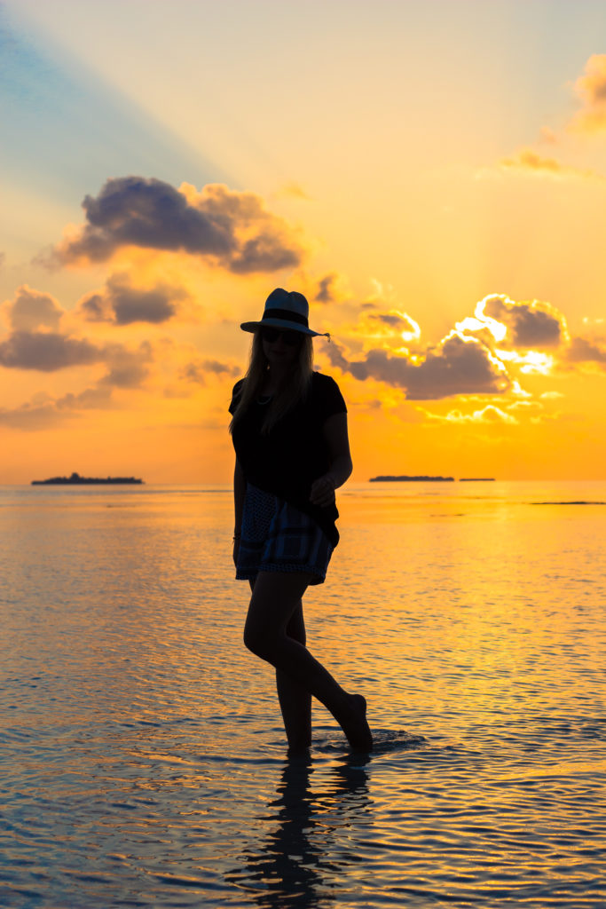 sunset_maldives_travel_outfit_fashion_cecilie_copenhagen_hat (10 of 13)