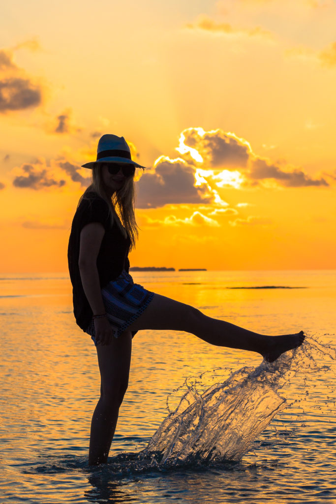 sunset_maldives_travel_outfit_fashion_cecilie_copenhagen_hat (11 of 13)