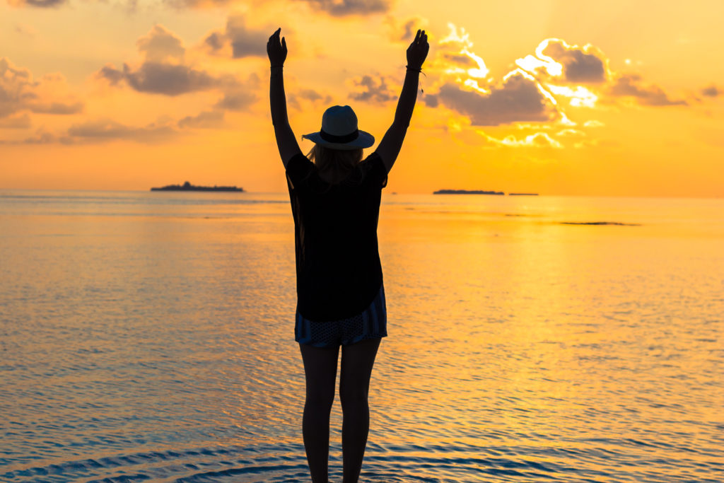 sunset_maldives_travel_outfit_fashion_cecilie_copenhagen_hat (9 of 13)