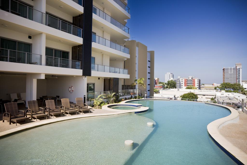 things_to_do_Darwin_rooftop_pool