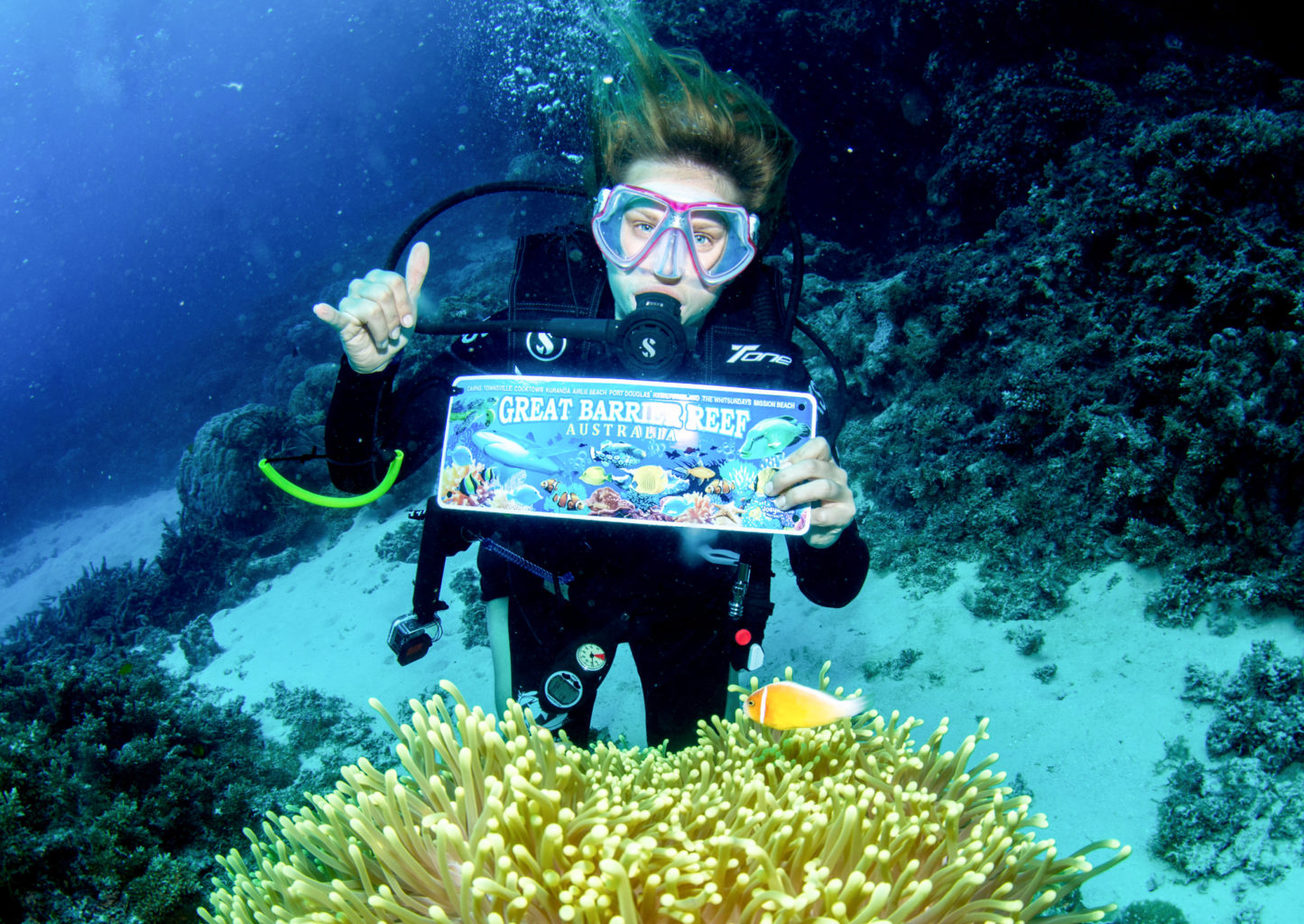 Scuba diving on the great barrier reef from port douglas
